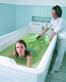 Ванна для подводного душ-массажа Golfstream Объем 570 литров