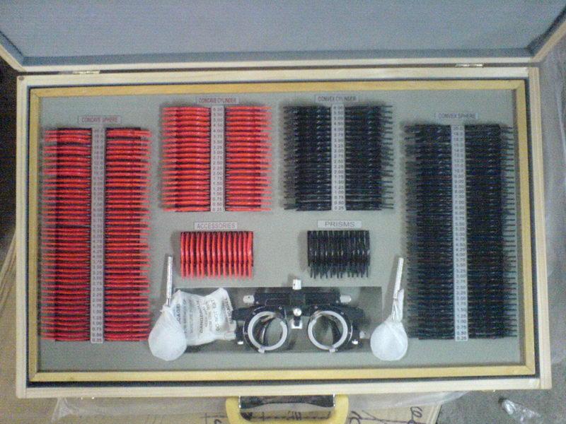 Набор пробных очковых линз с универсальной оправой, большой (266 линз)